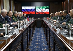 Iranian Defense Minister Hossein Dehghan with Russian Defense Minister Sergey Shoygu