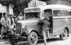 Chevrolet colectivo c. 1934 in the streets of Buenos Aires