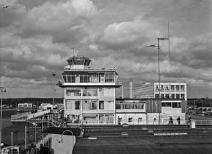 The air traffic control tower at Schiphol in 1960