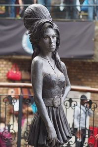 Bronze statue of Winehouse in Camden Town, London unveiled in September 2014