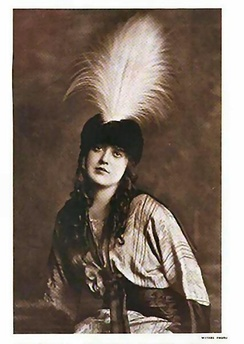 Frequent co-star Mabel Normand