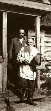 Vladimir Chertkov (left) with Leo Tolstoy (right)
