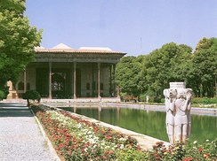 Chehel Sotoun pavilion and garden in Isfahan