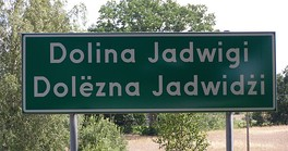 Dolina Jadwigi — a bilingual Polish-Kashubian road sign with the village name