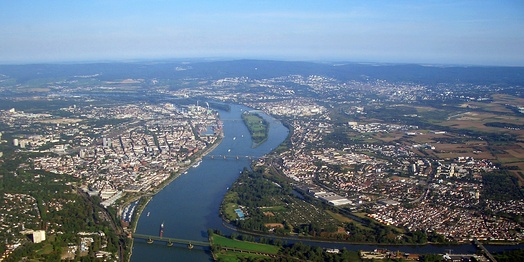 View north along the Rhine with the old Winterhafen in the lower left, the other port facilities further north