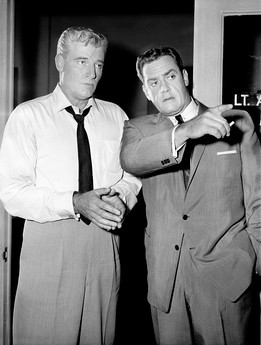 Paul Drake (William Hopper) and Perry Mason (Raymond Burr)