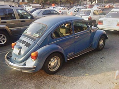 1995 Mexican Volkswagen Beetle, the last model with chrome moldings. In the picture, the 1995 Jeans Limited Edition.