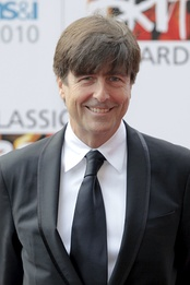 Thomas Newman scored the 2012 film Skyfall.