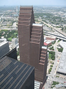 Bank of America Center in Houston, Texas by Philip Johnson (1983)