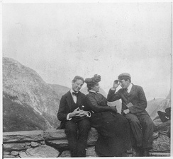 Roosevelt with Miss Mosenthal and Theodore Douglas Robinson during the travel around Norway in 1901 (Stalheim at Voss)