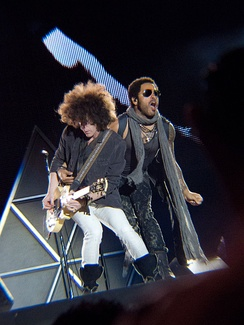 Kravitz and Craig Ross during a concert.