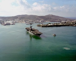 The aircraft carrier USS Lexington departs Guantanamo in 1991