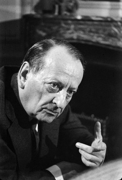 French minister Andre Malraux vowed to fight alongside the Mukti Bahini in the Liberation War.[135][136]