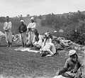 Босняки молятся в открытом поле, около 1906