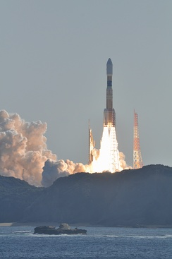 The H-IIB rocket carrying Kounotori 2 lifts off from the Tanegashima space center on 22 January 2011.