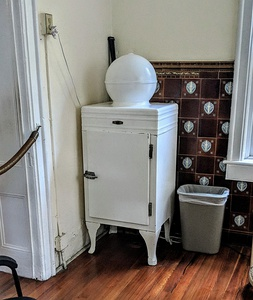 "A 1930s era General Electric ""Globe Top"" refrigerator in the Ernest Hemingway House"