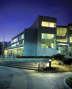 Carl and Ruth Shapiro Campus Center (2002, Charles Rose Architects)