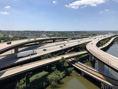 View south along I-95 from the ramp from I-395 to I-95 northbound in Baltimore