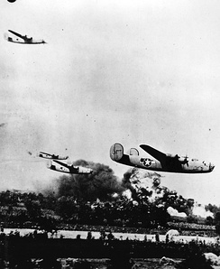 98th Bomb Group Liberators attacking Ploiești