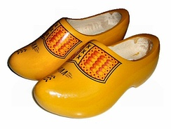 Several types of traditional Dutch whole feet clogs are ISO 20345:2004 compliant S3 safety shoes.