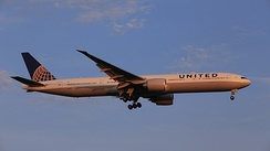 A United Airlines Boeing 777-300ER landing at Taiwan Taoyuan International Airport