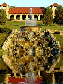 Forest Park features a variety of attractions, including the St. Louis Zoo, the Saint Louis Art Museum, the Missouri History Museum, and the St. Louis Science Center.