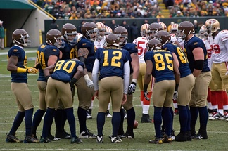 The Green Bay Packers in their throwback navy blue uniforms in 2010