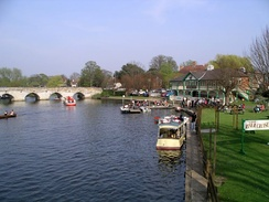 The Avon in Stratford-upon-Avon on a sunny day