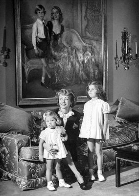 Bennett and her daughters, with a portrait of herself and her son (1944)