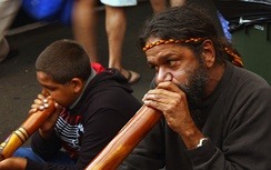 Didgeridoo performers