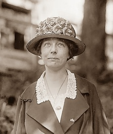 Izetta Jewel Brown (May 1922) Library of Congress