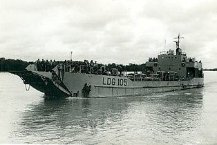 The landing craft NRP Bombarda preparing to land troops in Xime, eastern Portuguese Guinea, in 1969