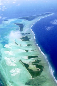 Islands on the north eastern fringes of Laamu Atoll, or Haddhunmathi Atoll. The inhabited island of Ishoo as well as several uninhabited islands can be seen.