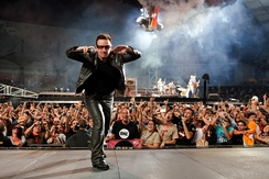 Bono and fans at Estádio Cidade de Coimbra, Portugal