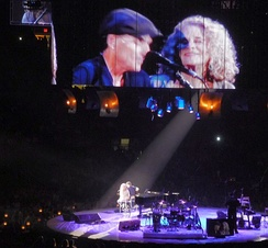 King and James Taylor performing during their 2010 Troubadour Reunion Tour