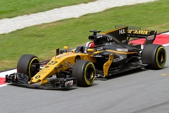Nico Hülkenberg driving for Renault at the 2017 Malaysian Grand Prix.
