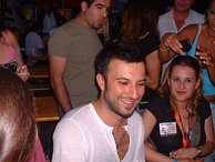 Tarkan in Vienna with fans from Hungary