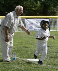 Tommy Lasorda at White House Tee Ball Initiative in 2007.
