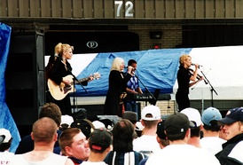 The Dixie Chicks at the Country for Kids concert in 1998 in Stafford, Virginia