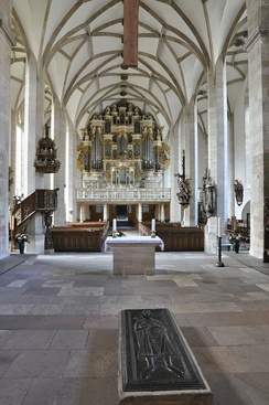 View of the interior with the organ in the back and the tomb of Rudolf of Rheinfelden in front