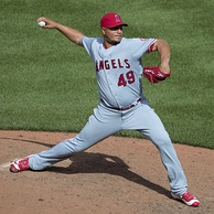 Brewers starter Jhoulys Chacín, shown here with the Angels in 2016, got the win in Game 2.