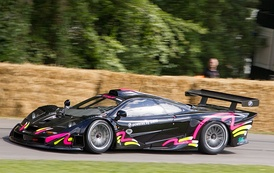 The 1997 F1 GTR of Richard Smith driven by Kenny Bräck at Goodwood FoS.