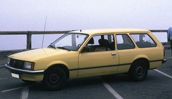 Two-door sedans and three-door station wagons still represented a significant proportion of Opel Rekord production