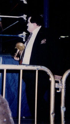 Paul Bearer holding his urn in 1996.