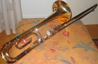 Tenor trombone with a traditional wrap F attachment