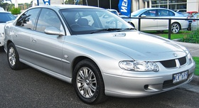 2001 Holden Commodore (VX II) Lumina sedan (2010-05-05).jpg