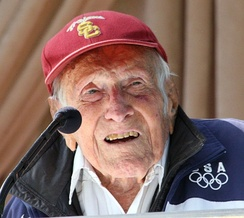 2015 Grand Marshal Louis Zamperini at Tournament House