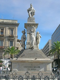 Stesichorus Square and Bellini's Monument (Piazza Stesicoro – Monumento a Vincenzo Bellini)