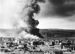 Пожар после налёта на Мурманск, 1942