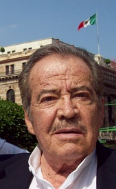 Color photo of Claudio Obregón.